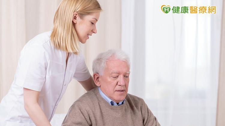 防骨鬆補鈣夠嗎? 五合一「骨鈣營養素」是關鍵