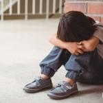 當孩子面對「關係霸凌」請別對他說這幾句話,反而造成二度傷害