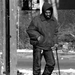 連美國都在喊窮?他 17 年換 21 個房子住,窮到只想「租」個家