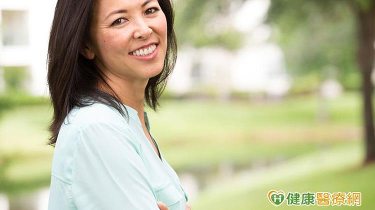 輕鬆面對更年期 女性荷爾蒙減少要補充嗎?