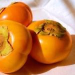 每到秋天媽媽圈就瘋傳 柿子配優酪乳、螃蟹、香蕉會中毒?