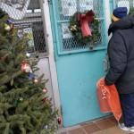 別人吃大餐、拆禮物 她卻連耶誕賀卡的郵資都付不出來…直擊美國貧困家庭的辛酸耶誕節