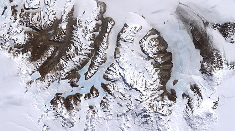 科學家們發現僅靠空氣生存的南極微生物