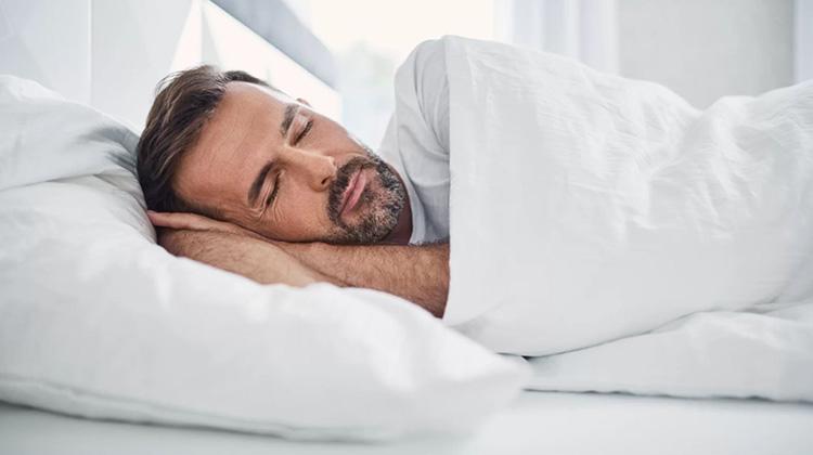 睡覺時你會說些什麼?