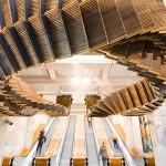 退休手扶梯高掛成為藝術品