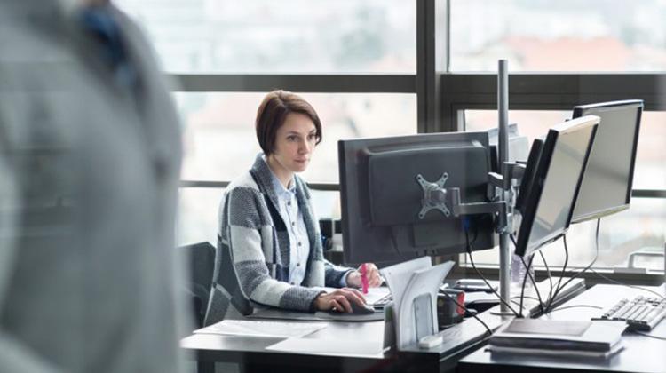 未來職場趨勢?提供女性員工凍卵計畫 恐加增人口危機