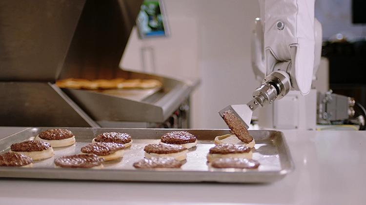 被工廠炒魷魚的機器人
