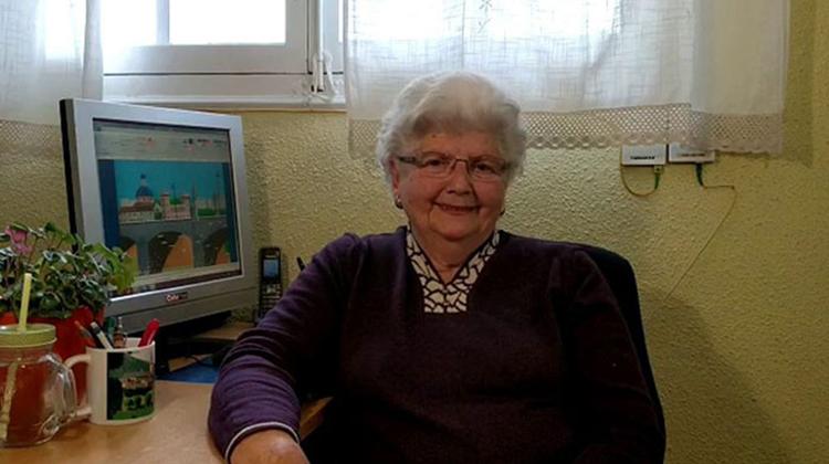 用微軟小畫家畫出美景的天才畫家奶奶