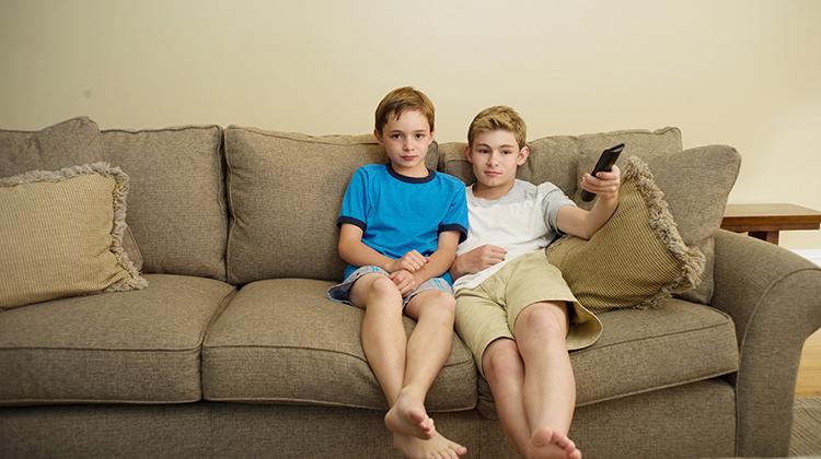 當家中電視機消失之後…