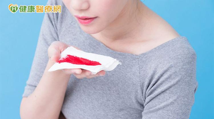 月經來潮就咳血 竟是子宮內膜異位