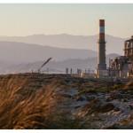 推倒最後一座燃氣電廠:加州弱勢社區歷經 4 年團結抗爭,將重污染電廠逐出美麗海岸