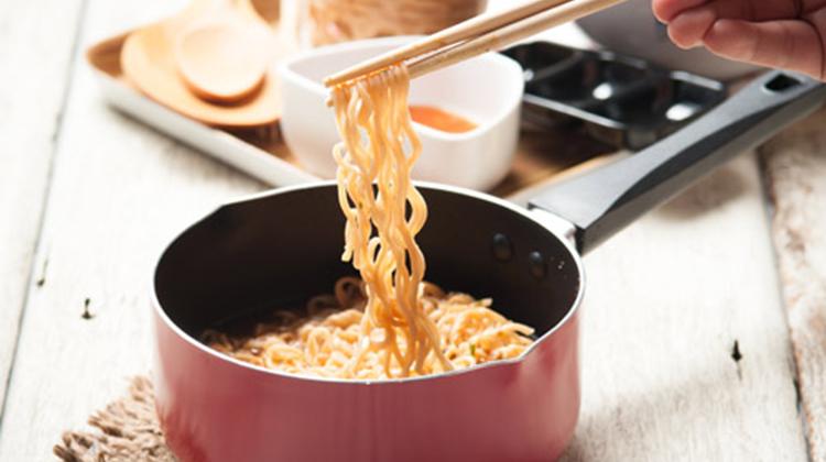 譚敦慈:吃泡麵也能安全又美味