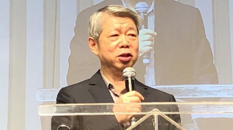 【職場40年、人生峰與谷】張孝威:聖經的話改變我的生命 「在風雨中我有耶穌!」