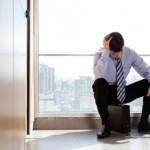 世界各地的人們比以往任何時候都感到更悲傷、更有壓力、更痛苦