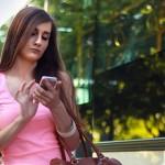 紐約立法禁止走路滑手機