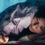 熬夜打電動、追劇、拼命滑手機就是捨不得睡!你也在「報復性熬夜」中深陷無法自拔嗎?