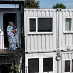 西班牙建貨櫃屋解決住房問題