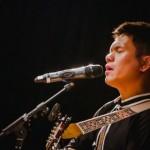 「不要放棄自己,生命不會重來。」阿美族創作鬼才舒米恩 Suming,質樸歌聲傳遞溫暖力量