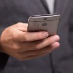 現代人傳簡訊的速度跟打字一樣快