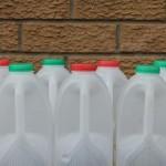 回收牛奶瓶鋪馬路
