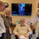 與癌症奮戰中度過90歲生日 大衛鮑森:知道主仍有工作要我做,準備繼續讓祂帶領