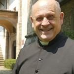 【疫情中的烈士】義大利神父捨己讓出呼吸器只為愛 民眾陽台送行惹哭眾人