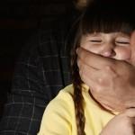 變態叔公長期猥褻國小兄妹時間長達6、7年,4件事教孩子遠離熟人性侵!