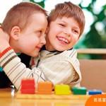 別讓孩子成為霸凌特殊孩童的幫兇!從小教孩子尊重差異