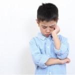 孩子咬手指、咬指甲怎麼辦?專家說可以這樣解決