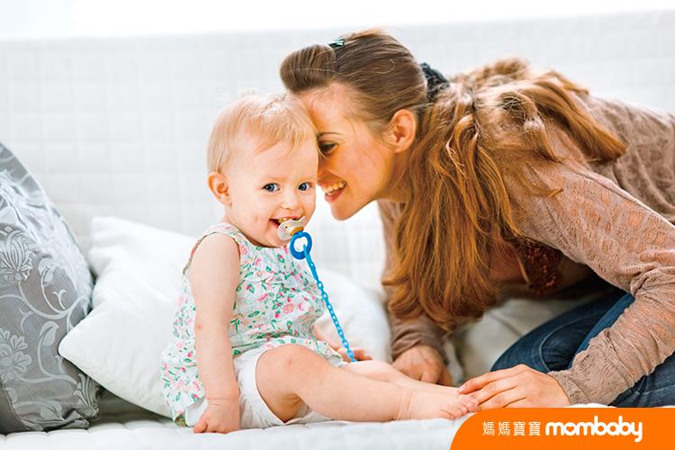 040 寶寶吃奶嘴-2