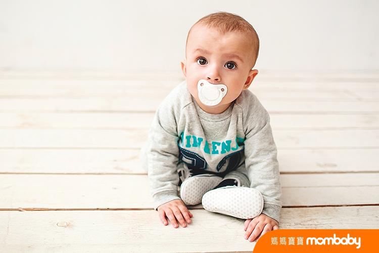 040 寶寶吃奶嘴-3