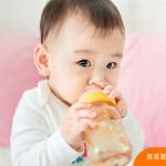 寶寶要喝水嗎?長輩真心覺得要,就讓兒科醫師給個專業說法!