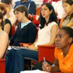 【外籍生是搖錢樹?】大學一間間倒,名校爭設「國際學院」穩固財源