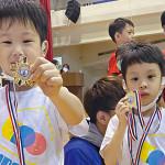雙胞胎兒子參加體操比賽,媽媽從頭到尾陪訓練.吳品萱:說好平常心,聽到得獎那刻,比孩子還要激動!
