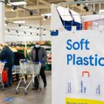 特易購(Tesco)開始推出「軟質塑膠」回收站,以便顧客退還舊包裝