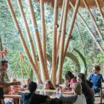 這所峇里島叢林學校培育出無數國際菁英