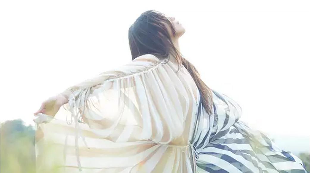 「但願我們都看到最真實的自己。」蔡健雅的療癒歌單:當自己能和自己獨處,才能愛得自在長久