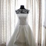 賈桂琳結婚禮服背後的祕密