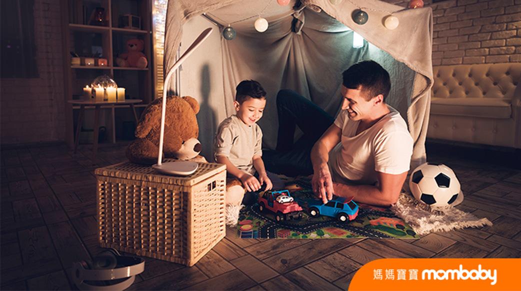 兩性間的「愛之語」,也能用在孩子身上!防疫居家生活,和孩子一起學習愛的語言