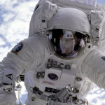 NASA與汰漬合作太空人衣物清潔方案