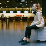 機器人於西雅圖機場航廈內部四處遊走遞送餐點